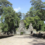 Templo de Preah Khan -acceso desde puente de nagas