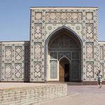 Entrada al museo del Observatorio de Ulugh Beg en Samarkanda