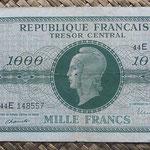 Francia 1000 francos 1945 (151x84mm) pk.107 anverso