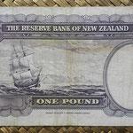 Nueva Zelanda 1 pound 1956-67 (154x82mm) pk.159d reverso