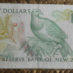 Nueva Zelanda 20 dollars 1985-89 pk.173c reverso