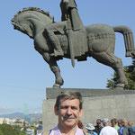 junto al rey Vakhtang Gorgasali en Tbilisi