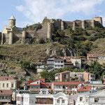 Castillo fortaleza Narikala desde Old Tbilisi