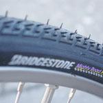 耐パンク、耐久性にとても優れたタイヤを前後に装備!
