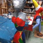 Nana und Katzen-Nana im AtelierMo beim Pappmaché-Workshop entstanden