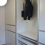 hochgeplappter Kleiderlift - Kleiderschranklift