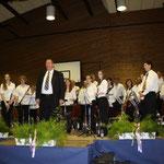 Orchester hinter Eberhard Grün
