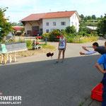 Spiel #7: Feuerwehrleine-Kegeln in der Schulstraße