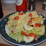 macaroni and cheese with salad