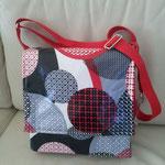 Messenger Bag mit wasserabweisenden Außenstoff