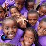 元気いっぱいエチオピアの幼稚園の子ども達