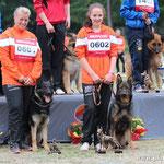 Universalsieger - 1. Platz Karin mit Daymi-Jo, 3. Platz Jana mit Wolf