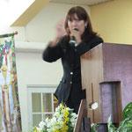 Rvda. Amparo Colón Predica en la Igl. Discipulos de Cristo-Carolina