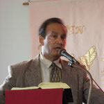 Pastor Jorge Carrasquillo predica la Palabra