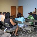 El culto se lleva a cabo en el Area de oficinas de la iglesia