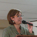 La Dra. Amparo predica un poderoso mensaje de iniciación