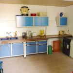 Die neue Küche mit allen wichtigen Geräten - auch für Gäste nutzbar.
