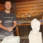 Eloi explique la taille de la pierre aux époques antique et médiévale