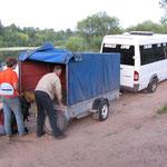 Наконец-то приехал наш автобус и мы грузимся