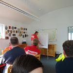 Einweisung durch Vormann Wolpers vor der Übung / © Freiwillige Feuerwehr Cuxhaven-Duhnen