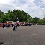 Aufstellung der Freiwilligen Feuerwehren auf dem Wochenmarktplatz © FF.Cuxhaven-Duhnen