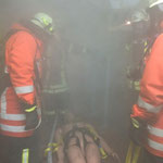 Die vermisste Person wurde bis zur Rauchgrenze transportiert /  © Freiwillige Feuerwehr Cuxhaven-Duhnen