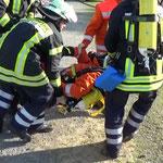 ... und werden ins Freie gebracht © Freiwillige Feuerwehr Cuxhaven-Duhnen