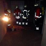 Rettung aus dem Gefahrenbereich mit der Bandschlinge © Freiwillige Feuerwehr Cuxhaven-Duhnen