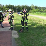 Der Angriffstrupp der FF Duhnen bereitet sich vor © Freiwillige Feuerwehr Cuxhaven-Duhnen