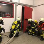 Tür-Management zum Betreten eines Brandraumes © FF-Duhnen