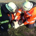 Abnehmen der Ausrüstung © Freiwillige Feuerwehr Cuxhaven-Duhnen