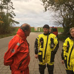 Kurzes Gespräch vor der Abfahrt © FF.Cuxhaven-Duhnen