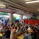 Auch die Fahrzeughalle war fast bis auf den letzten Platz besetzt © FF.Cuxhaven-Duhnen