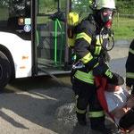 Rettung mit dem Bergetuch © Freiwillige Feuerwehr Cuxhaven-Duhnen