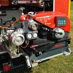Die Tragkraftspritze ist im Heck des Fahrzeugs eingebaut und mit dem Fahrzeugtank per Kupplung verbunden / © Freiwillige Feuerwehr Cuxhaven-Duhnen