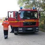 Das TSF-W mit Seefunk an der Schwerlastrampe / © Freiwillige Feuerwehr Cuxhaven-Duhnen