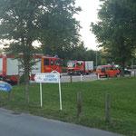 Einsatzfahrzeuge zur Personensuche an der Duhner Allee / © Freiwillige Feuerwehr Cuxhaven-Duhnen