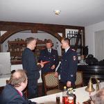 Dank an Martin Brütt für seine Arbeit als ehemals Stellvertretender Ortsbrandmeister © Freiwillige Feuerwehr Cuxhaven-Duhnen