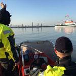 Fährhafen - die Helms fährt raus © Freiwillige Feuerwehr Cuxhaven-Duhnen
