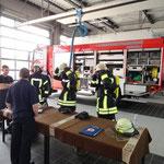 Anlegen der PA © Freiwillige Feuerwehr Cuxhaven-Duhnen