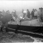 Das ehemalige Duhner Rettungsboot wird zu Wasser gebracht © Freiwillige Feuerwehr Cuxhaven-Duhnen