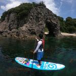 巌門の近くのきれいな海でSUP ロングツアー