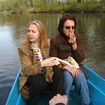 Рома катає на човні. заїдаємо страх морозивом))