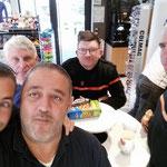 """La """"Dream Team"""" en route pour Sarla. de gauche à droite au premier rang Laurent F0FNC, Laurent F5IDF, Olivier, derrière de gauche à droite Guy F1GTH, Jerome F4UAN"""