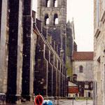 à Vezelay en 2001, près dee la cathédrale