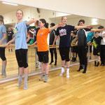 Im Tanzsaal bewiesen die Triakids neben Bauchmuskeln auch Eleganz.