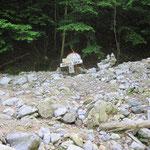 元井谷第一登山口 ※土砂で埋まっている