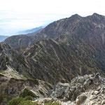 鹿島槍ヶ岳を望む