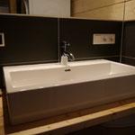 Bad mit Dusche und WC im OG