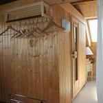 Sauna gegenüber von WC/Bad